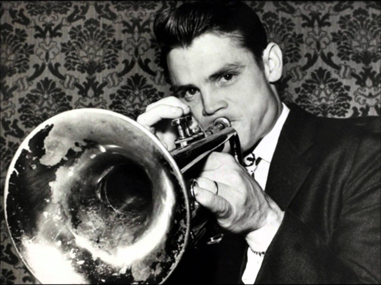 picture of young Chet Baker with Trumpet